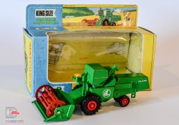 Matchbox Kingsize – K9 CLASS Combine Harvester – green, red tynes, missing white plastic driver, yellow plastic steering wheel, labels, red plastic hubs – Near Mint to Mint (tyres loose) in good Plus window box with inner pictorial card tray. Scarce issue without white driver.