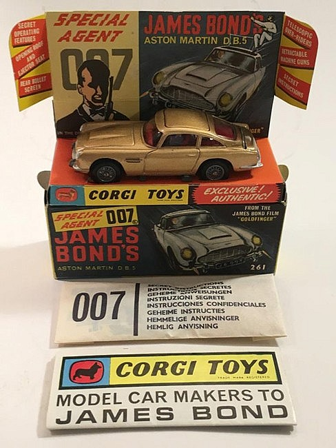 Corgi 261 James Bond's Aston Martin