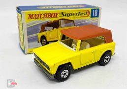 Matchbox Superfast No.18a Field Car