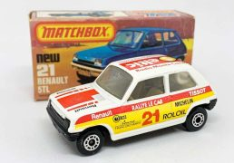 """Matchbox Superfast 21c Renault 5 TL Rally Car Twin-pack Issue - white body with Seltic Radio Monte Carlo racing number 21 tampo print, clear windows, white interior, gloss black Lesney England base, dot-dash wheels - Mint in Near Mint """"New"""" type K box."""