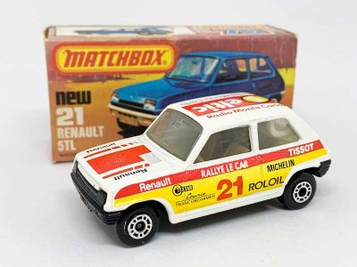 "Matchbox Superfast 21c Renault 5 TL Rally Car Twin-pack Issue - white body with Seltic Radio Monte Carlo racing number 21 tampo print, clear windows, white interior, gloss black Lesney England base, dot-dash wheels - Mint in Near Mint ""New"" type K box."