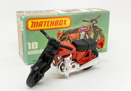 """Matchbox Superfast 18b Hondarora Honda CB750 Motorcycle - red frame without labels fitted, black seat, black front forks, chrome engine, wire wheels - Near Mint to Mint complete with Mint """"New"""" type L box."""